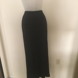 Banana Republic Maxi black skirt elastic waist, M